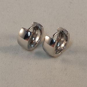 Jewelry - 18K White Gold GF Hoop Huggie Earrings 12mm